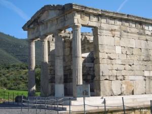 Archea Messini petit mausoléee romain fond du stade